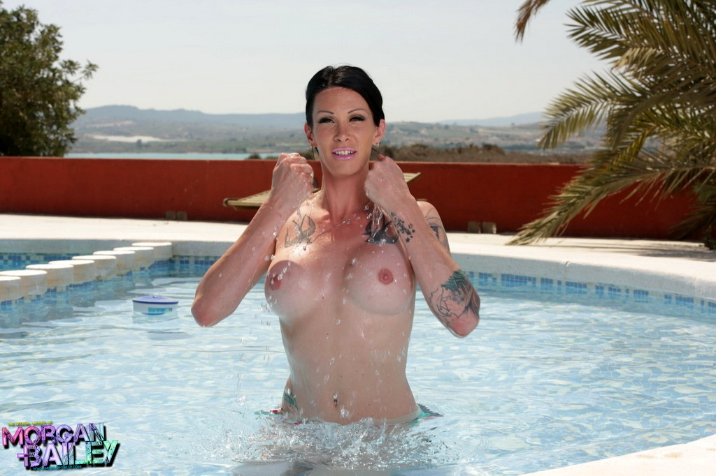 Attractive Morgan Strips In The Pool