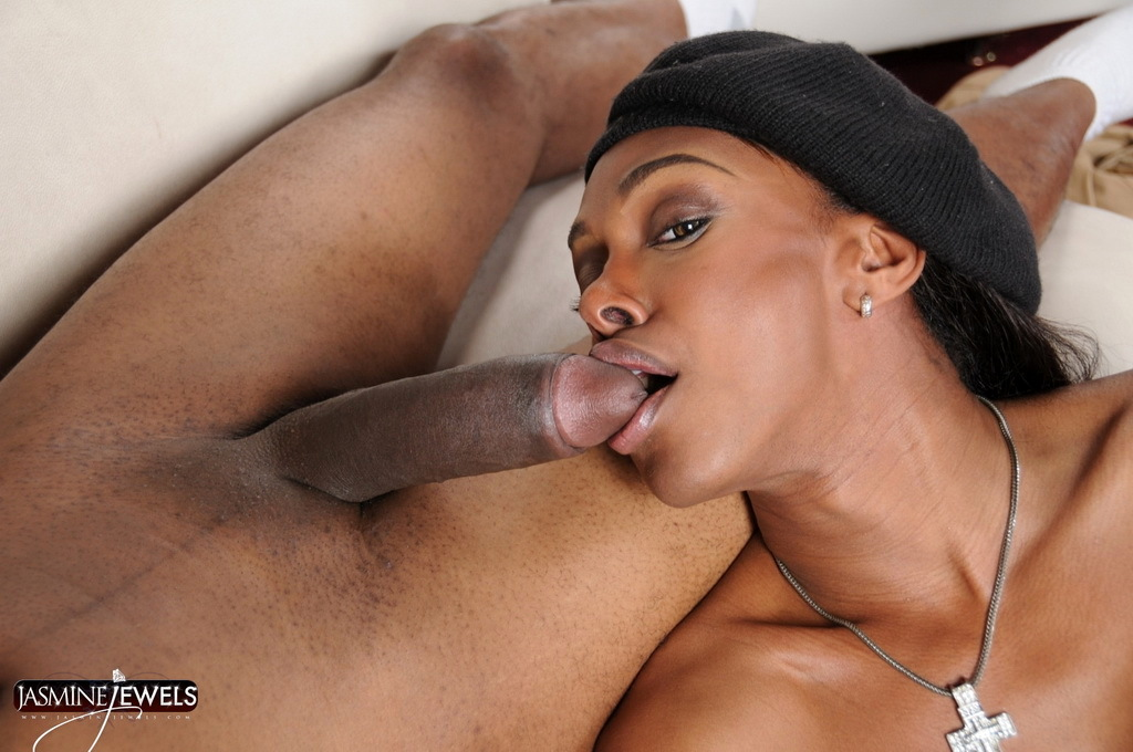 Beautiful Jasmine Natalia Giving A A Blowjob