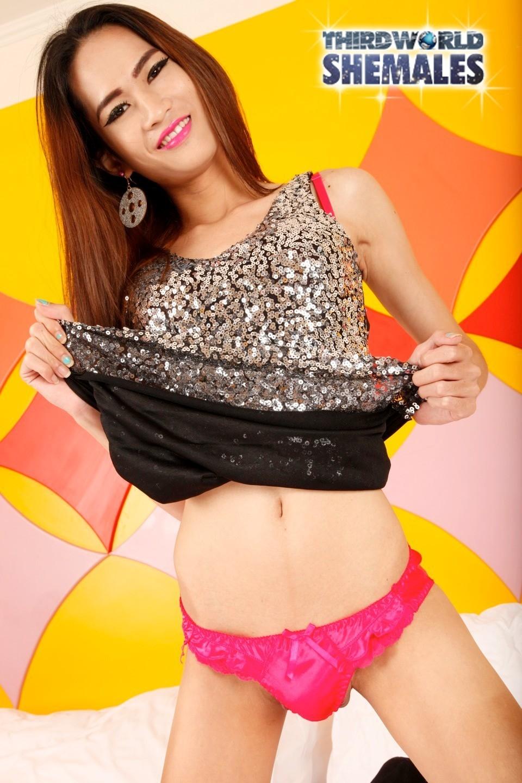 New Is A Little Thai Girl With A Slender Body, Long Brunette Hai