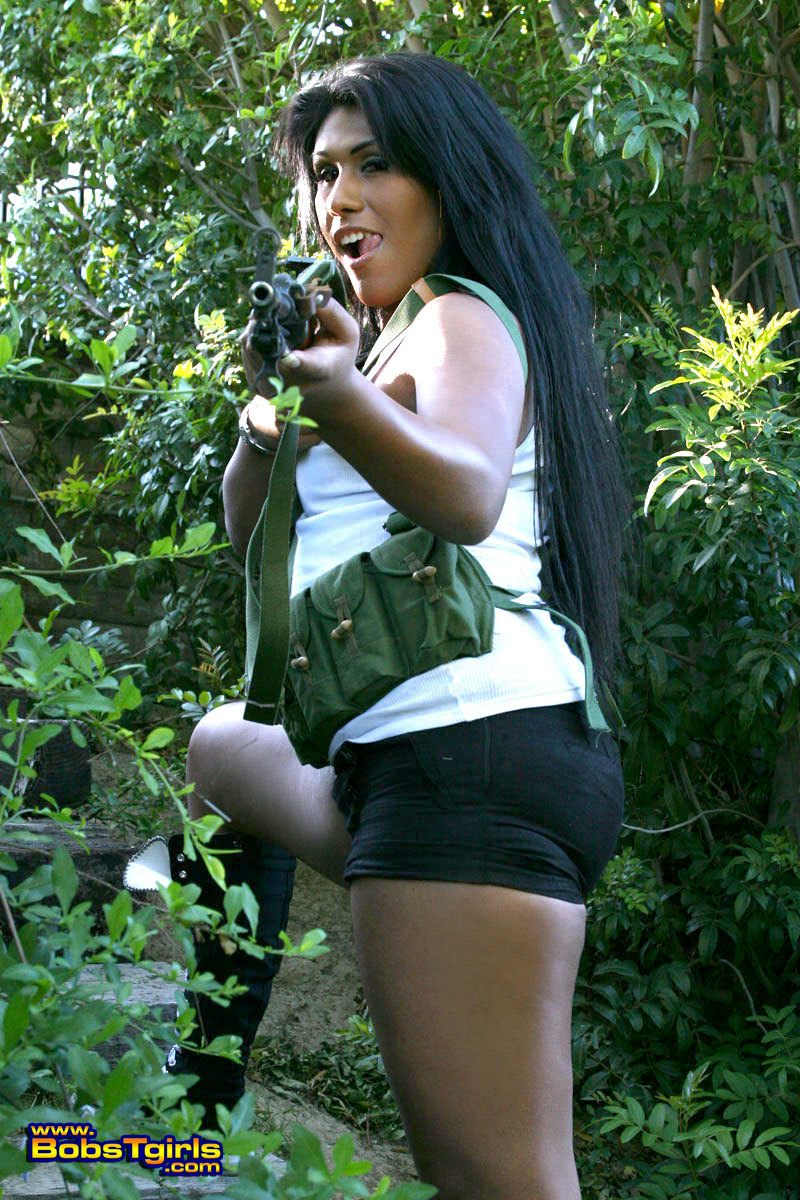 TS Miranda Posing As A Starved Commando Girl