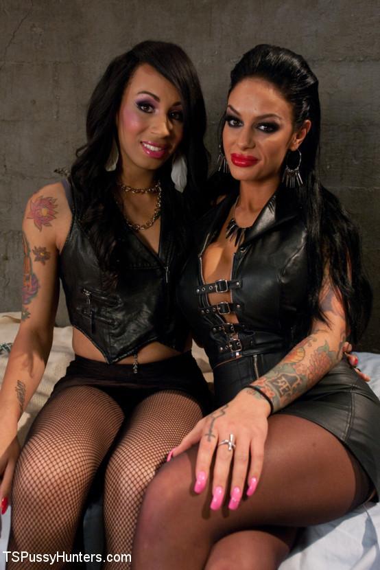 Biker Dungeon: Transsexual Hottie Honey Bangs Angelina Valentine
