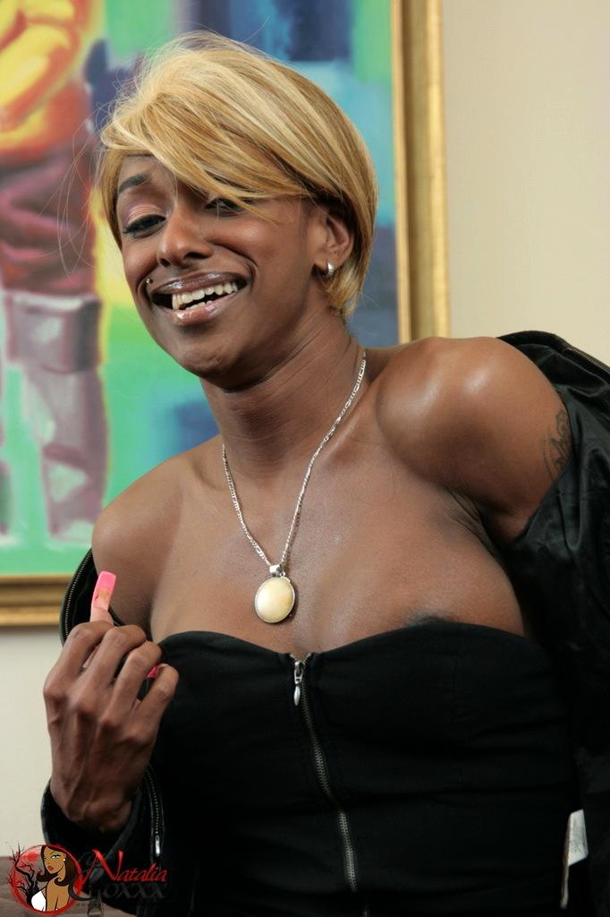 Blonde Ebony Ts Natalia Coxxx Spreading Her Asshole