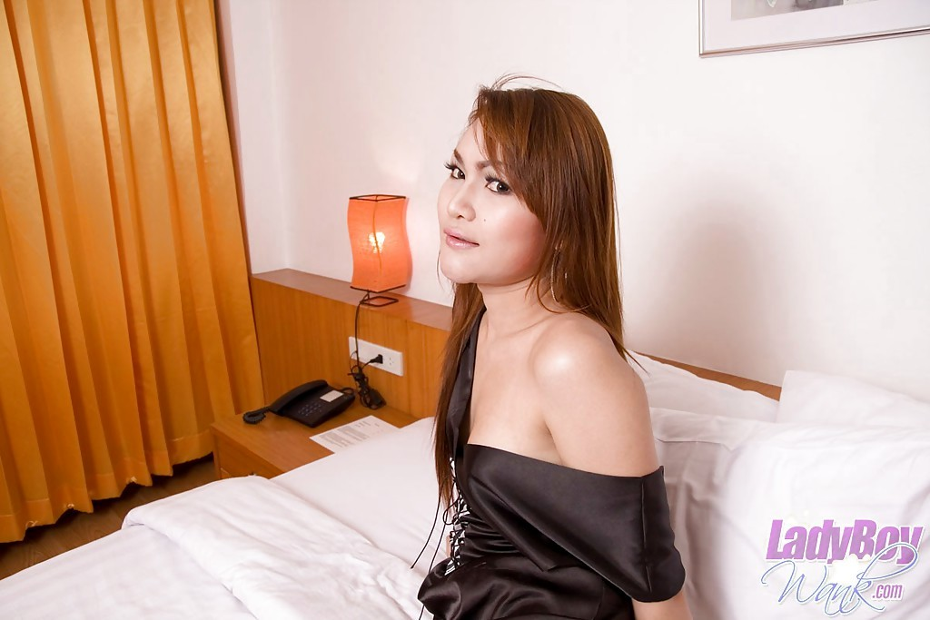 Young Brunette Asian Shemale Innocent Masturbating Off On Her Bed